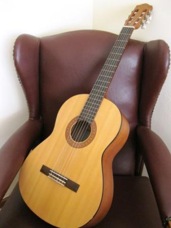 1326382675_299293986_1-Pictures-of--Guitar-Yamaha-C40M.jpg